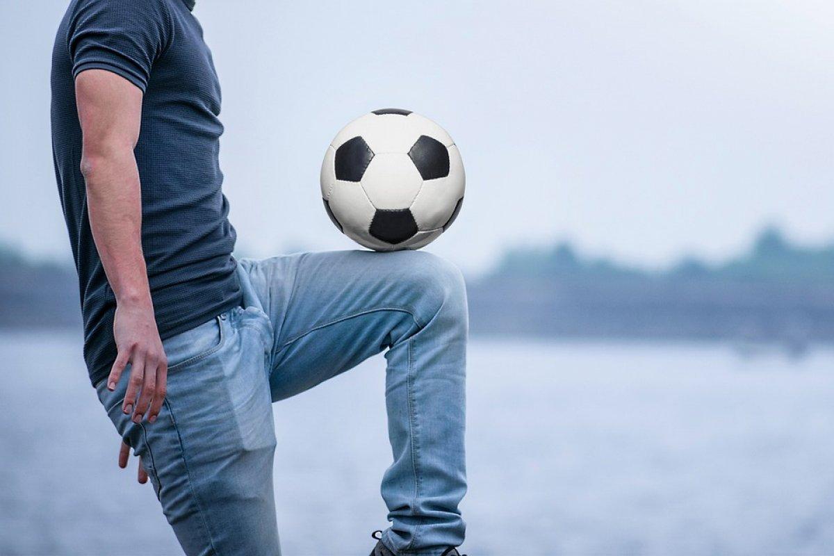 Konkurs na najlepszego żonglera piłką nożną