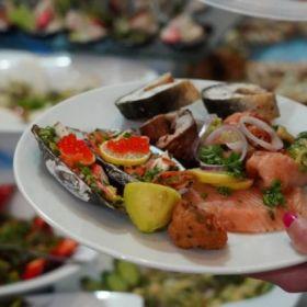 Prawie połowa Polaków przyznaje, że zdarza im się wyrzucać żywność